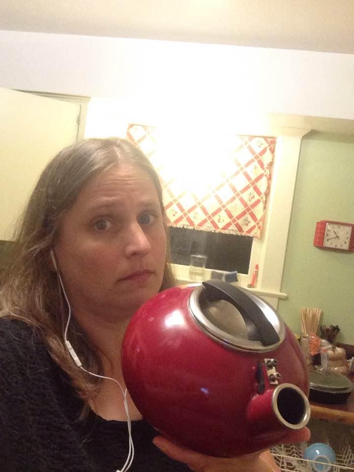 handle-less tea kettle
